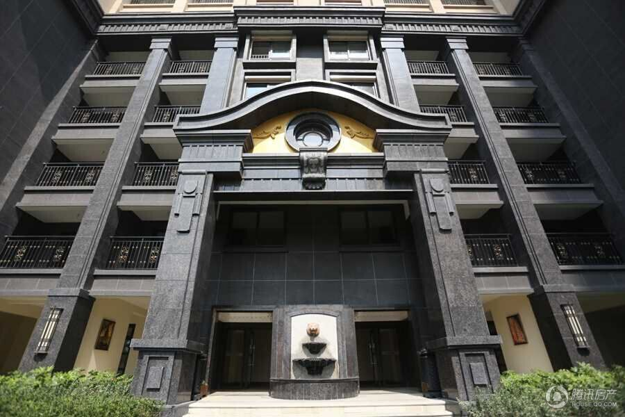16栋法兰西新古典主义装饰风格的高层住宅,简化欧式的繁琐线脚和装饰